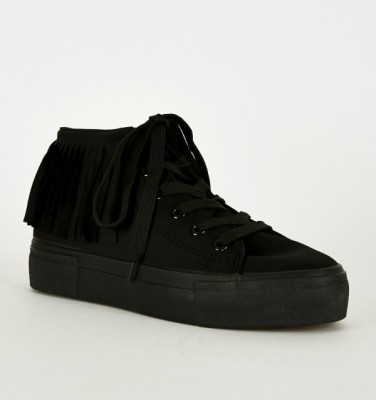 black fringe design trainer